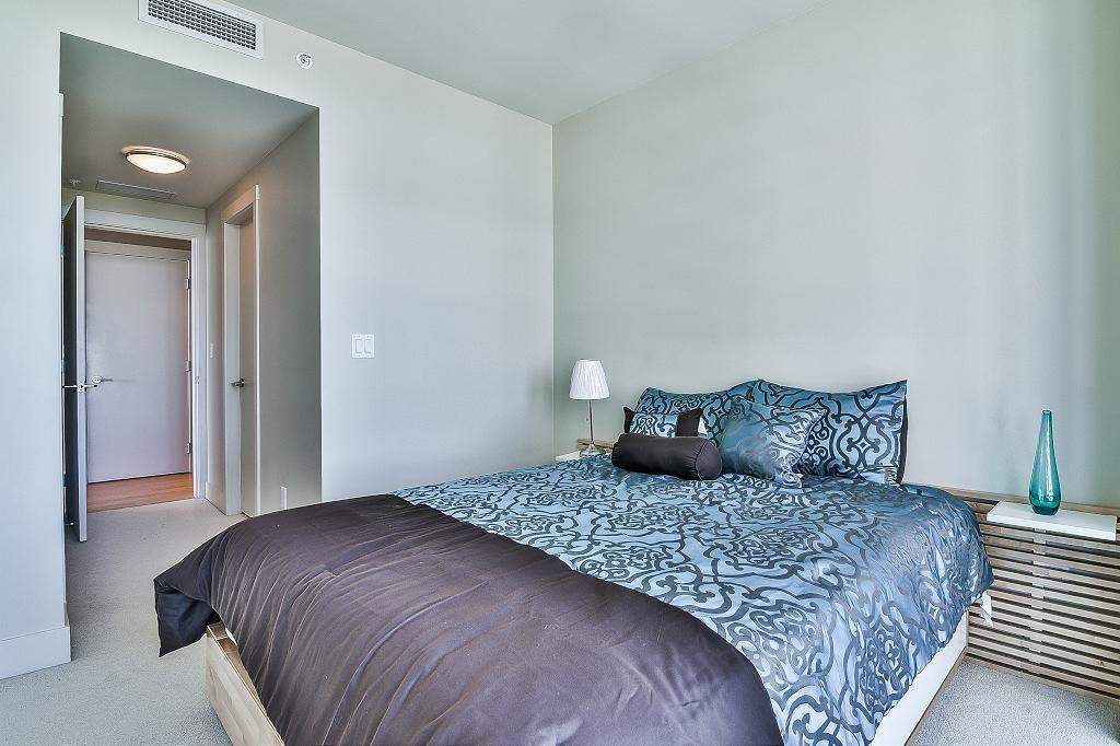 Condo Apartment at 801 15152 RUSSELL AVENUE, Unit 801, South Surrey White Rock, British Columbia. Image 18