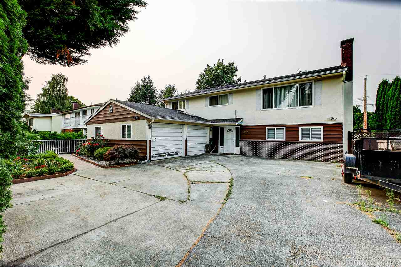 Detached at 8875 COOK CRESCENT, Richmond, British Columbia. Image 4
