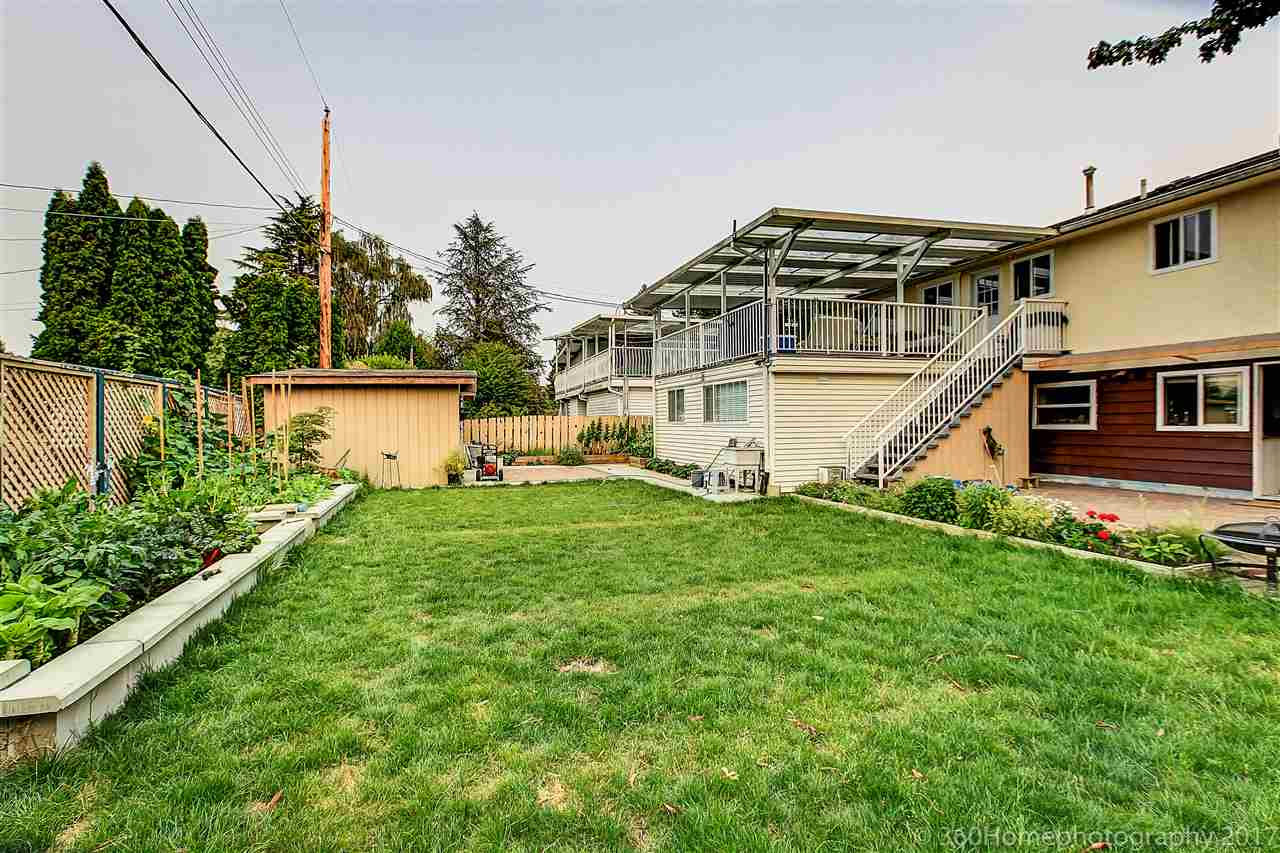 Detached at 8875 COOK CRESCENT, Richmond, British Columbia. Image 9