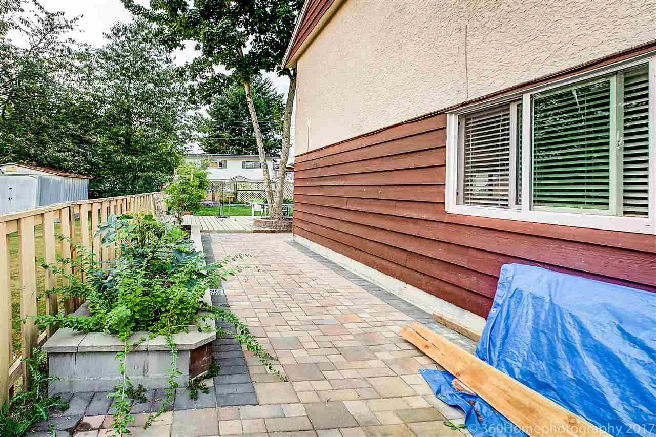 Detached at 8875 COOK CRESCENT, Richmond, British Columbia. Image 11