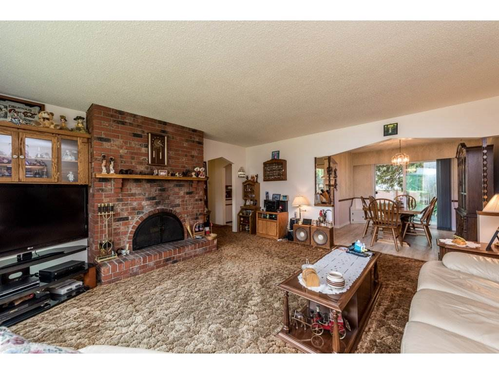 Detached at 3783 201A STREET, Langley, British Columbia. Image 9