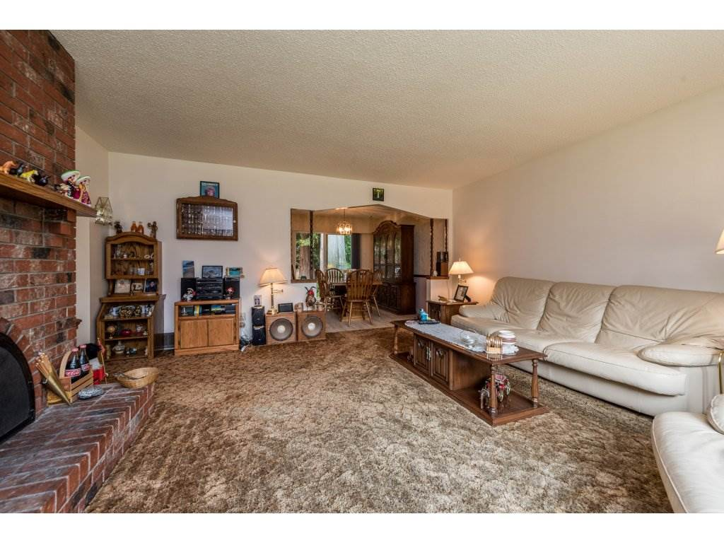 Detached at 3783 201A STREET, Langley, British Columbia. Image 10