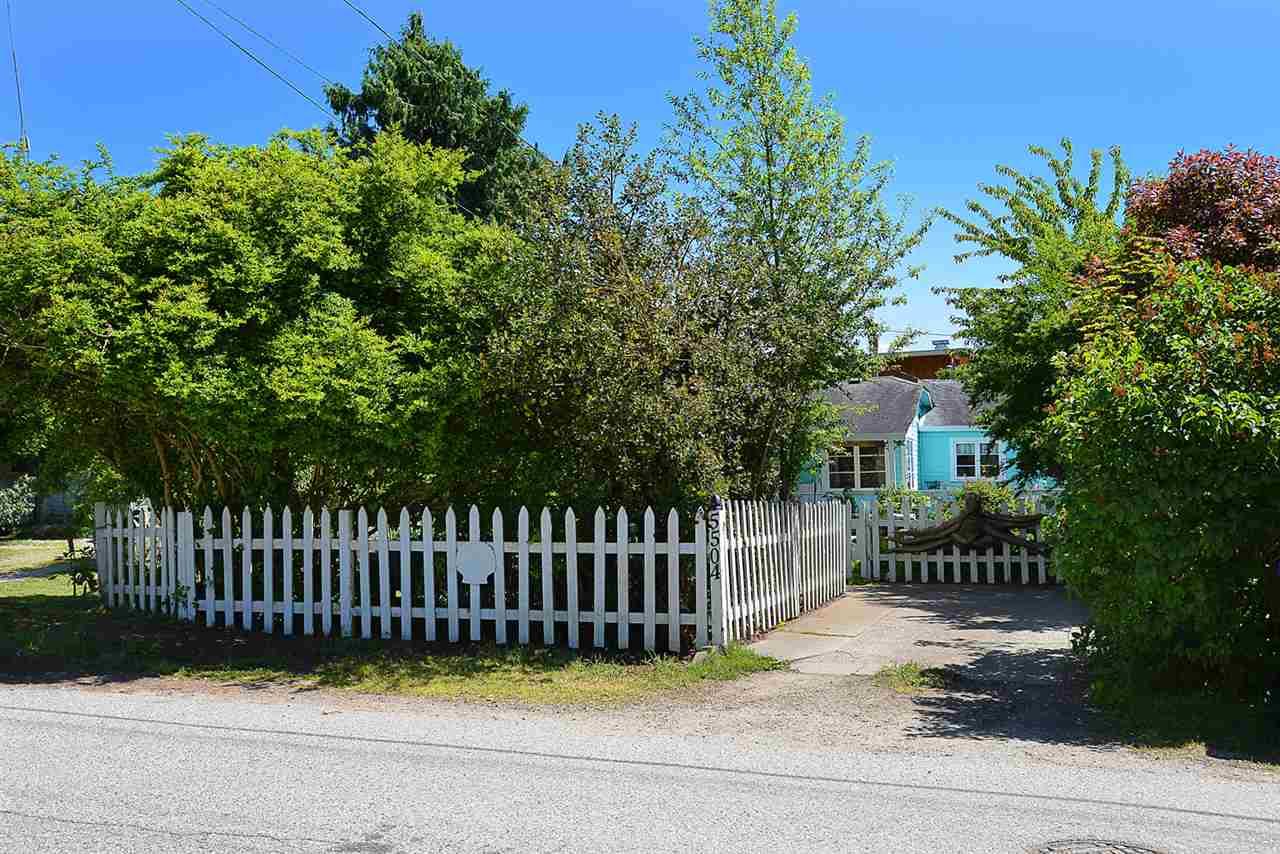 Detached at 5504 ORCHARD STREET, Sunshine Coast, British Columbia. Image 17