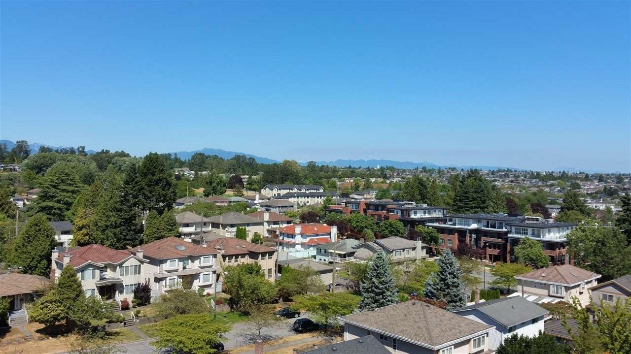Condo Apartment at 803 8031 NUNAVUT LANE, Unit 803, Vancouver West, British Columbia. Image 9