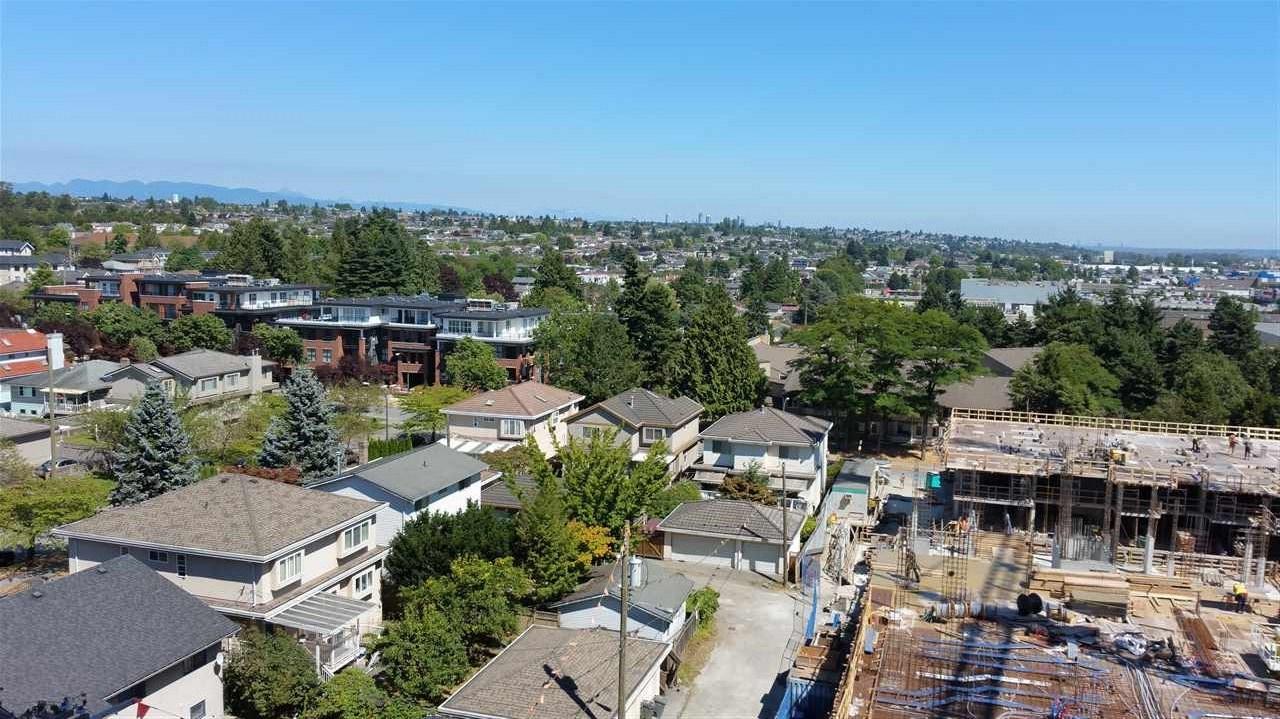 Condo Apartment at 803 8031 NUNAVUT LANE, Unit 803, Vancouver West, British Columbia. Image 10