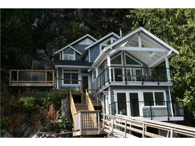 Detached at 824 INDIAN ARM, North Vancouver, British Columbia. Image 3