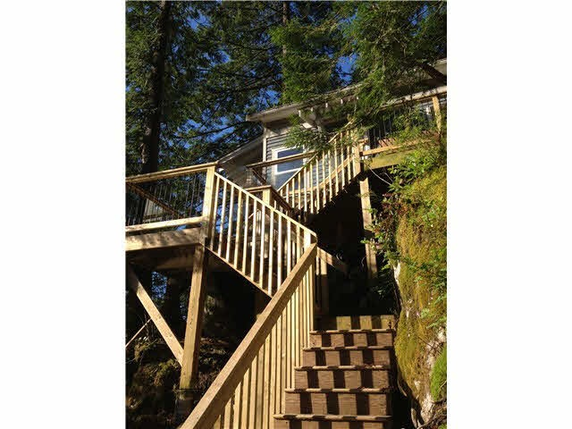 Detached at 824 INDIAN ARM, North Vancouver, British Columbia. Image 5