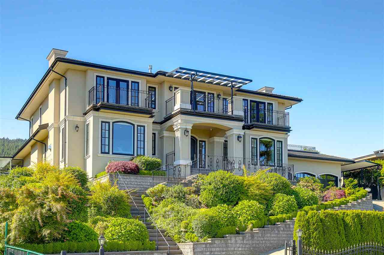 Detached at 881 FARMLEIGH ROAD, West Vancouver, British Columbia. Image 3