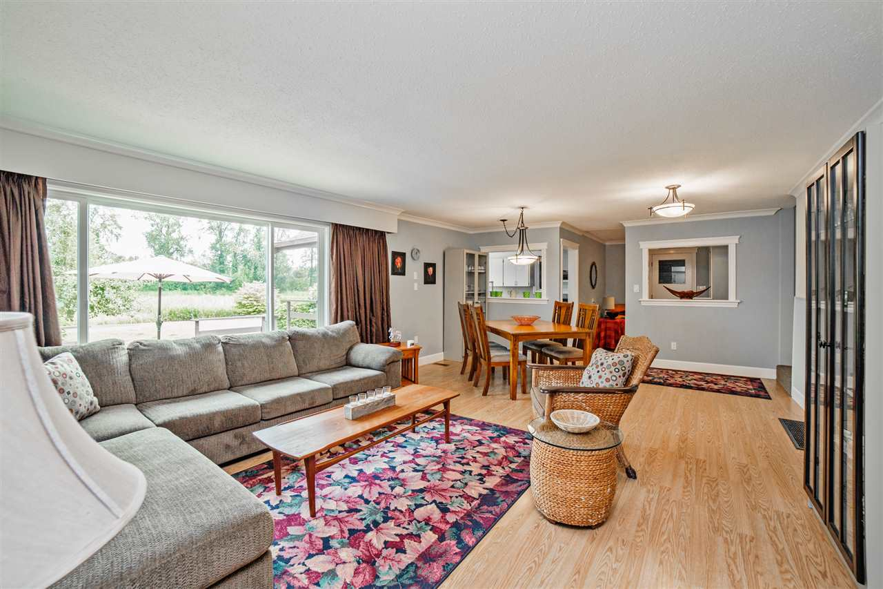 Detached at 8462 BENBOW STREET, Mission, British Columbia. Image 2