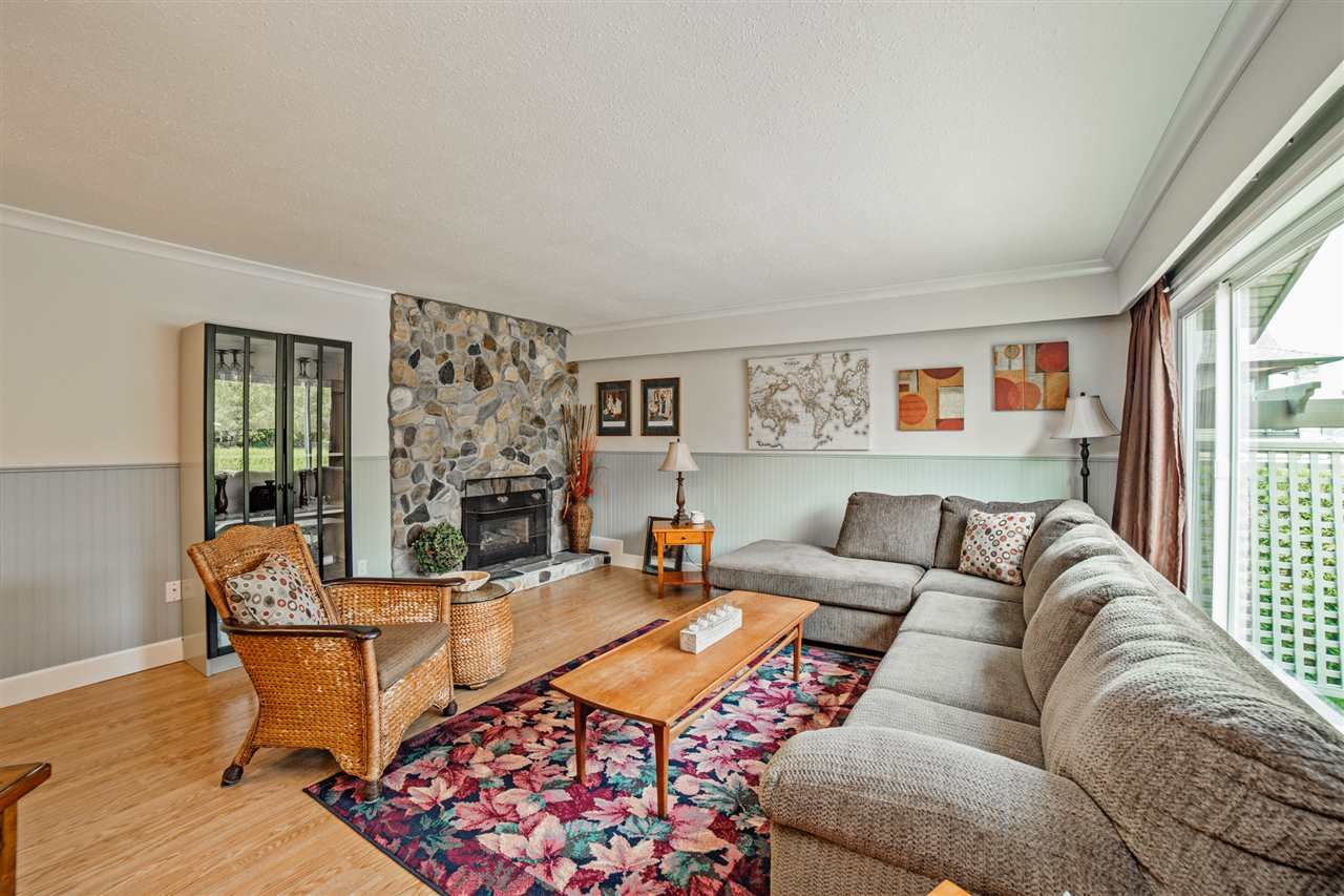 Detached at 8462 BENBOW STREET, Mission, British Columbia. Image 3