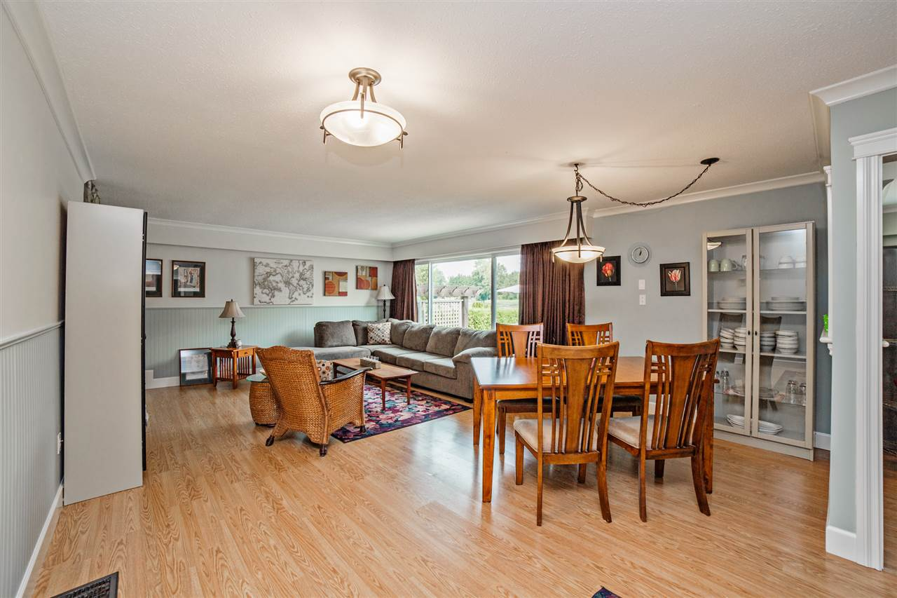Detached at 8462 BENBOW STREET, Mission, British Columbia. Image 4