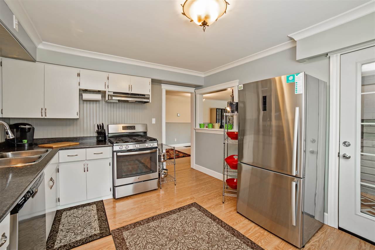 Detached at 8462 BENBOW STREET, Mission, British Columbia. Image 7