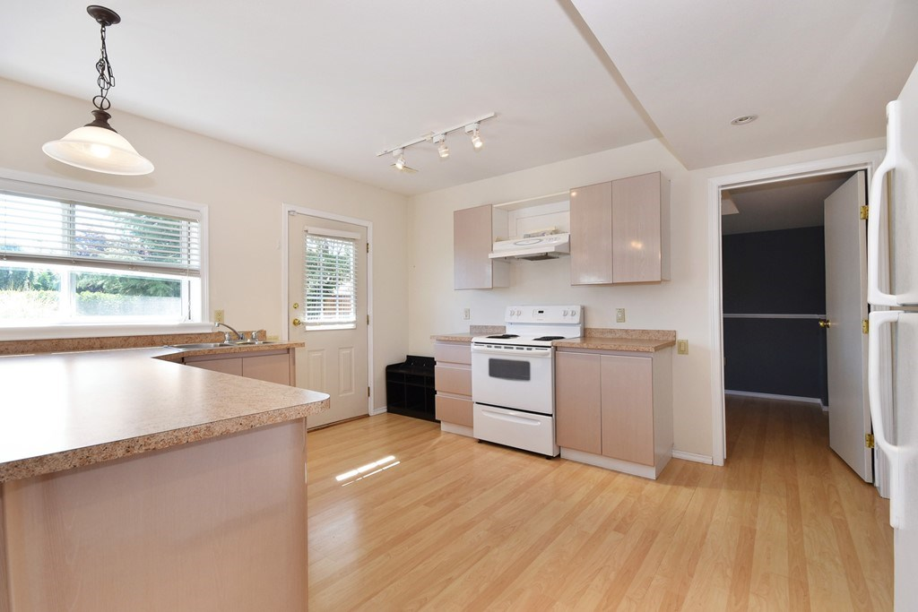 Detached at 8167 BARNETT STREET, Mission, British Columbia. Image 15