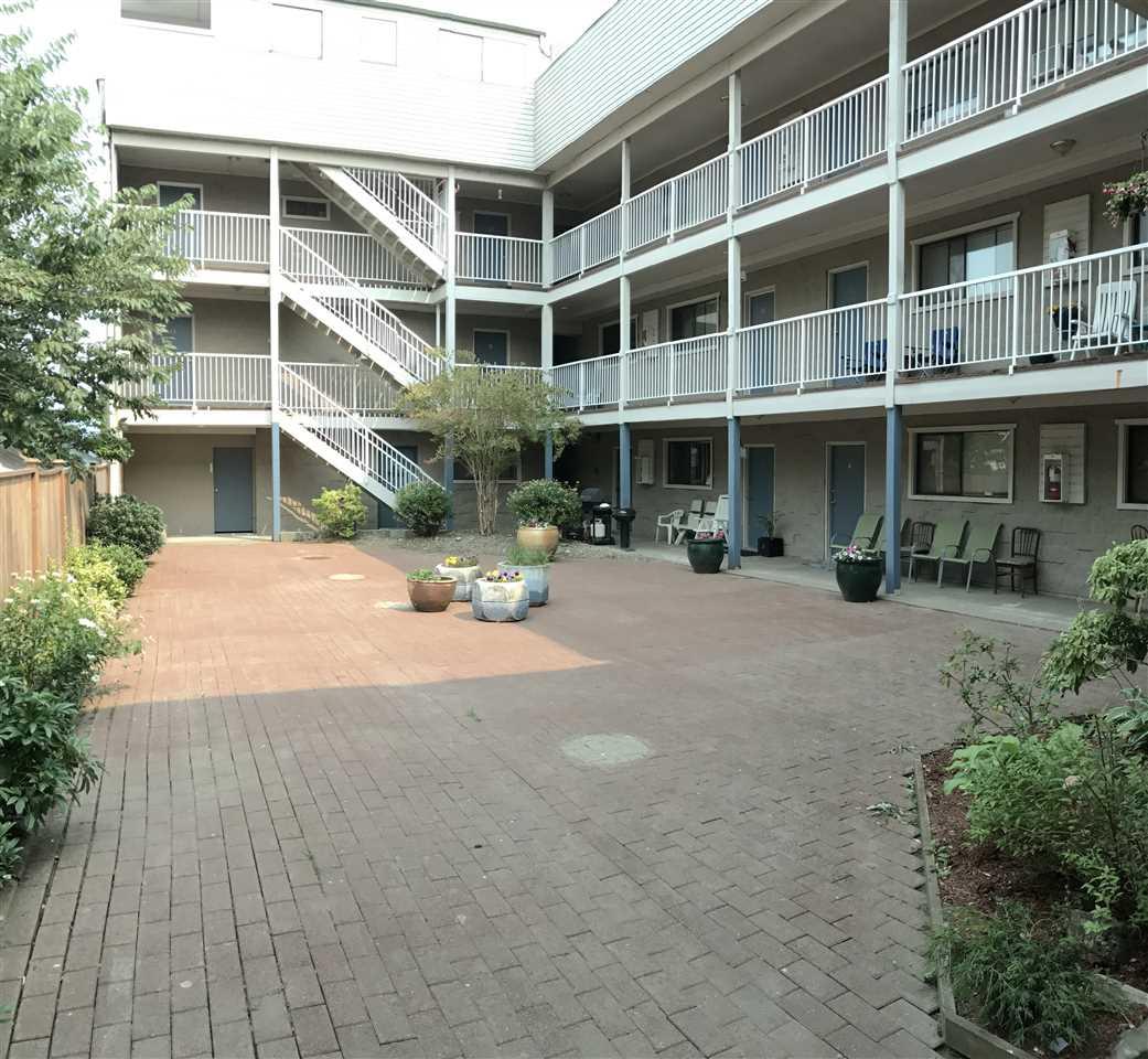 Condo Apartment at 1 450 ESPLANADE AVENUE, Unit 1, Harrison Hot Springs, British Columbia. Image 2