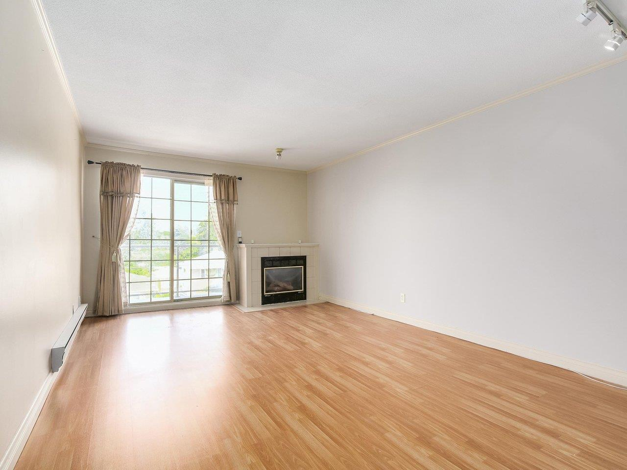 Condo Apartment at 311 13490 HILTON ROAD, Unit 311, North Surrey, British Columbia. Image 2