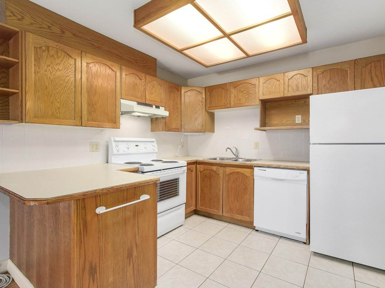 Condo Apartment at 311 13490 HILTON ROAD, Unit 311, North Surrey, British Columbia. Image 6