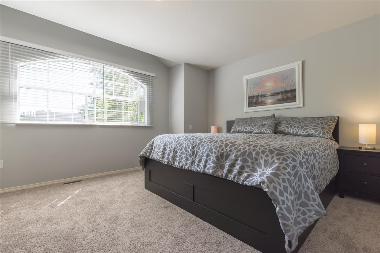 Detached at 21645 50B AVENUE, Langley, British Columbia. Image 10
