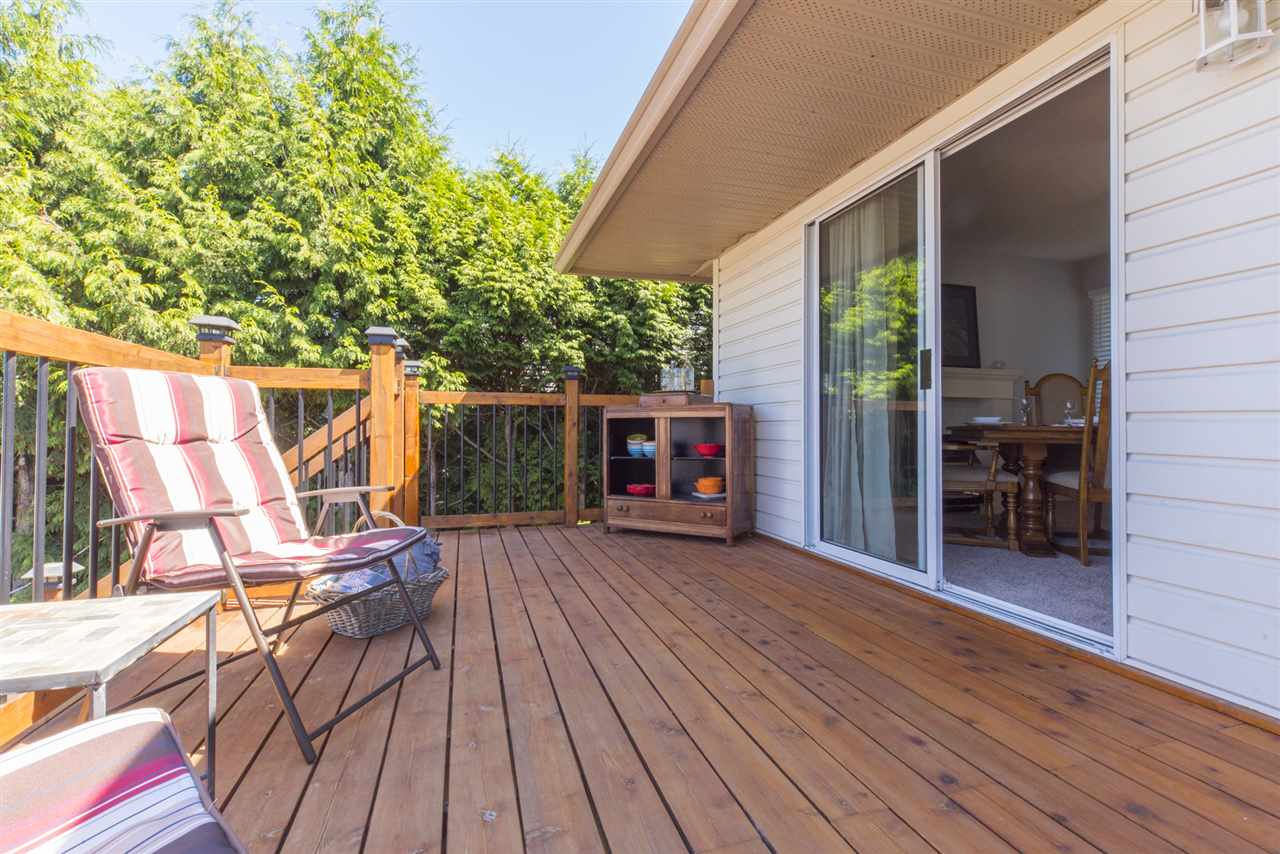 Detached at 21645 50B AVENUE, Langley, British Columbia. Image 17
