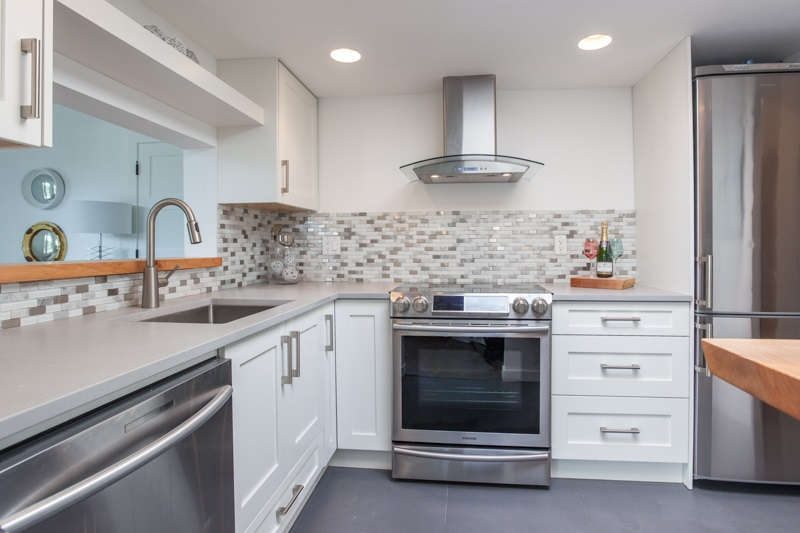 Condo Apartment at 1004 995 ROCHE POINT DRIVE, Unit 1004, North Vancouver, British Columbia. Image 1