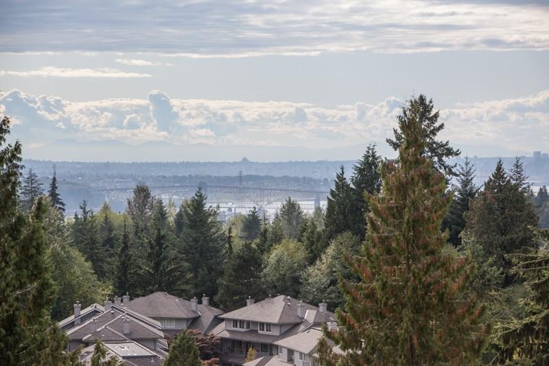 Condo Apartment at 1004 995 ROCHE POINT DRIVE, Unit 1004, North Vancouver, British Columbia. Image 4