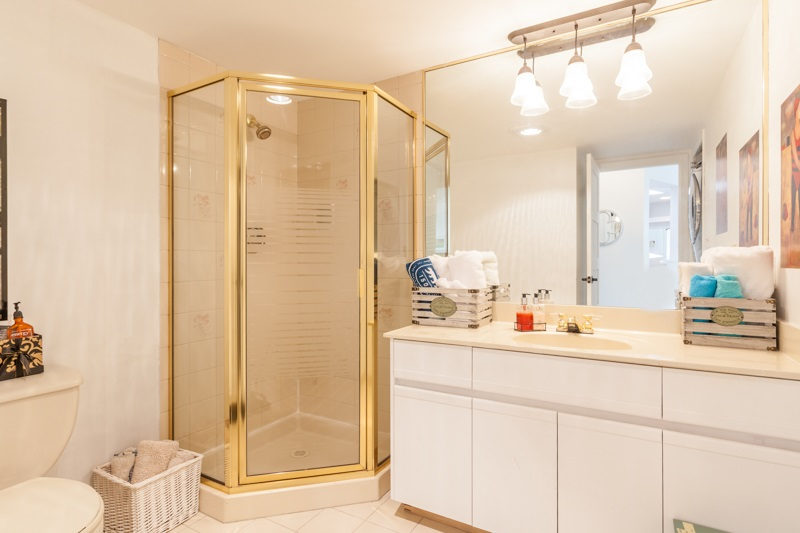 Condo Apartment at 1004 995 ROCHE POINT DRIVE, Unit 1004, North Vancouver, British Columbia. Image 16