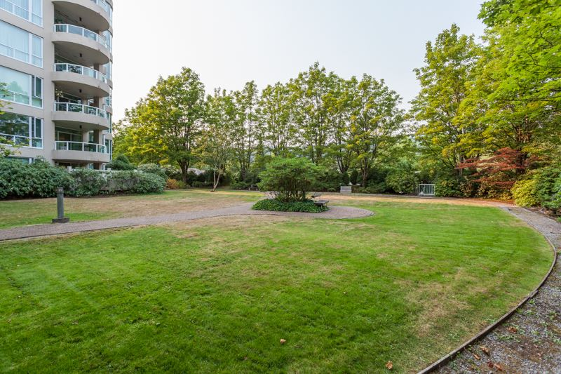 Condo Apartment at 1004 995 ROCHE POINT DRIVE, Unit 1004, North Vancouver, British Columbia. Image 18