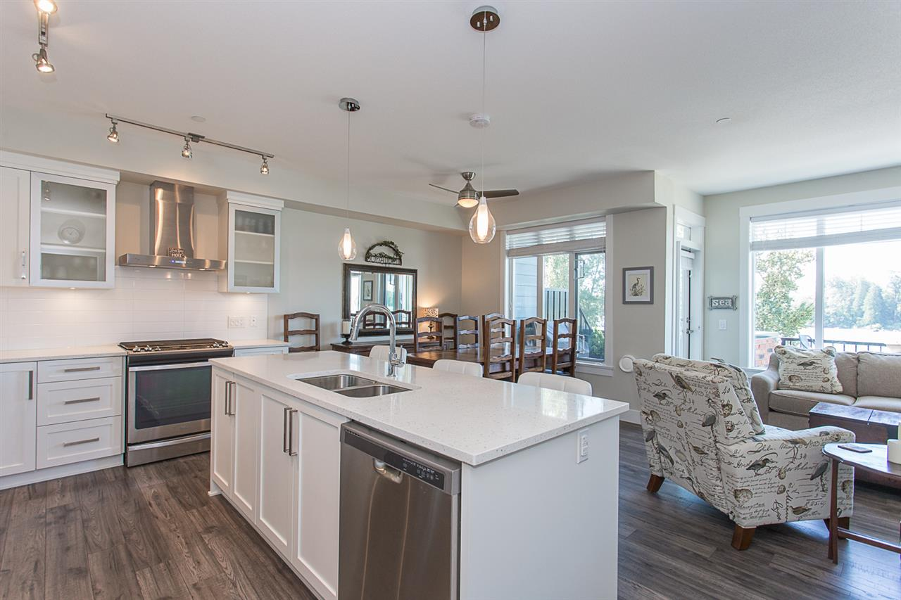 Condo Apartment at 307 22327 RIVER ROAD, Unit 307, Maple Ridge, British Columbia. Image 4