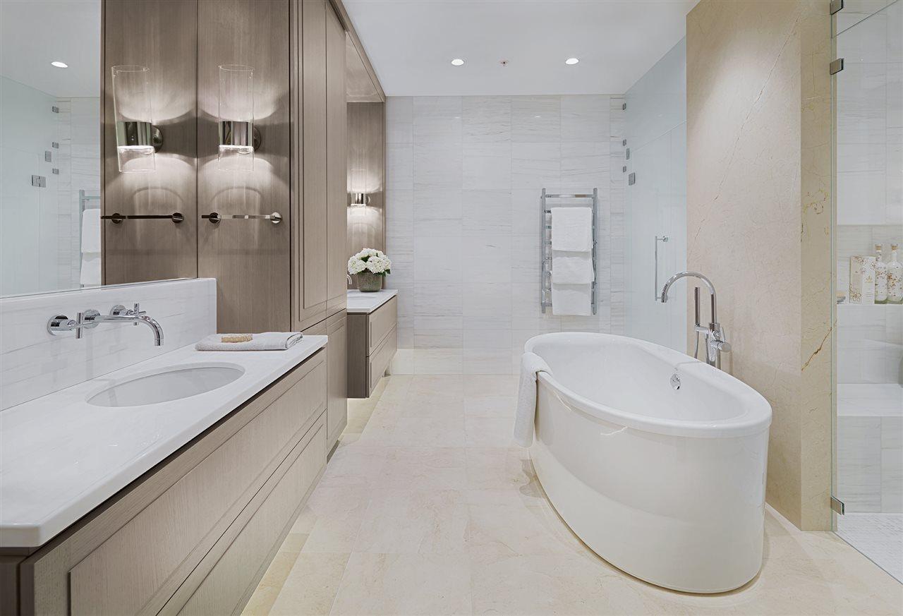 Condo Apartment at 401 2289 BELLEVUE AVENUE, Unit 401, West Vancouver, British Columbia. Image 3