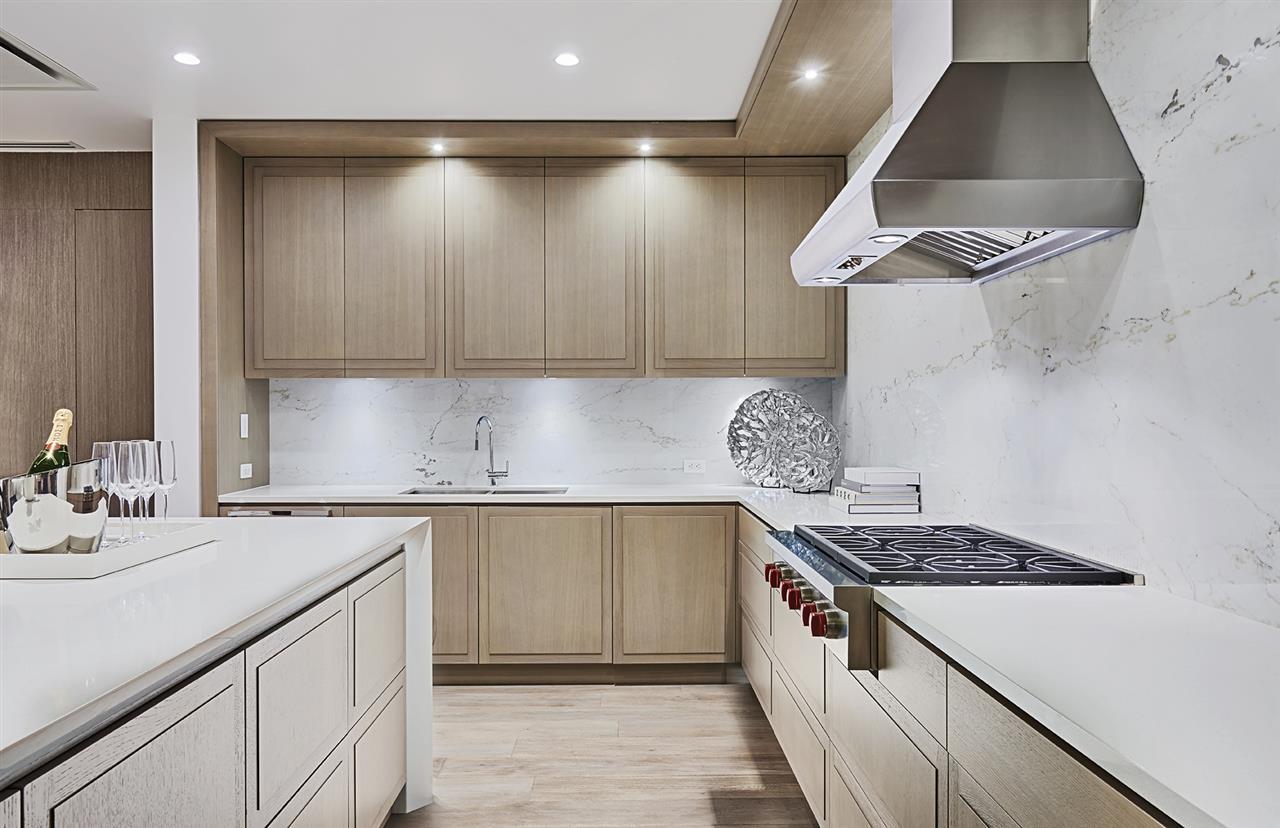 Condo Apartment at 401 2289 BELLEVUE AVENUE, Unit 401, West Vancouver, British Columbia. Image 6