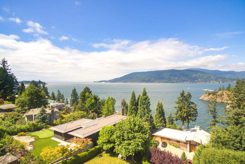 Detached at 6148 GLENEAGLES DRIVE, West Vancouver, British Columbia. Image 10