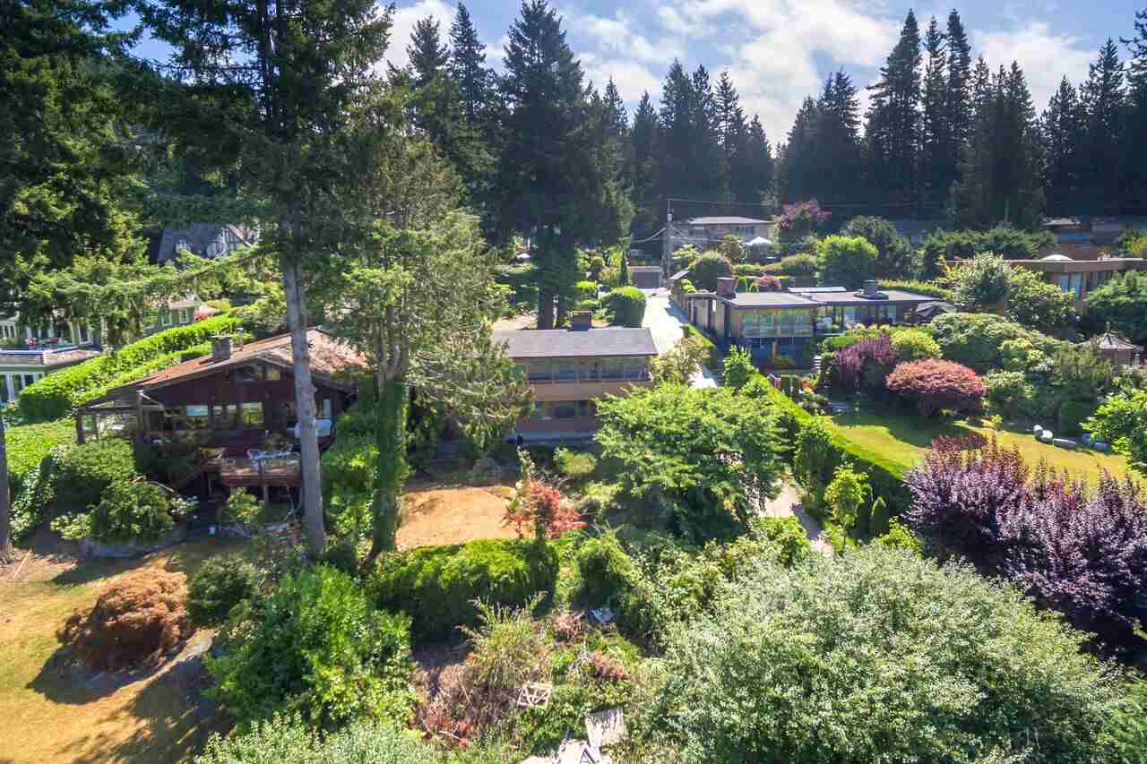 Detached at 6148 GLENEAGLES DRIVE, West Vancouver, British Columbia. Image 12