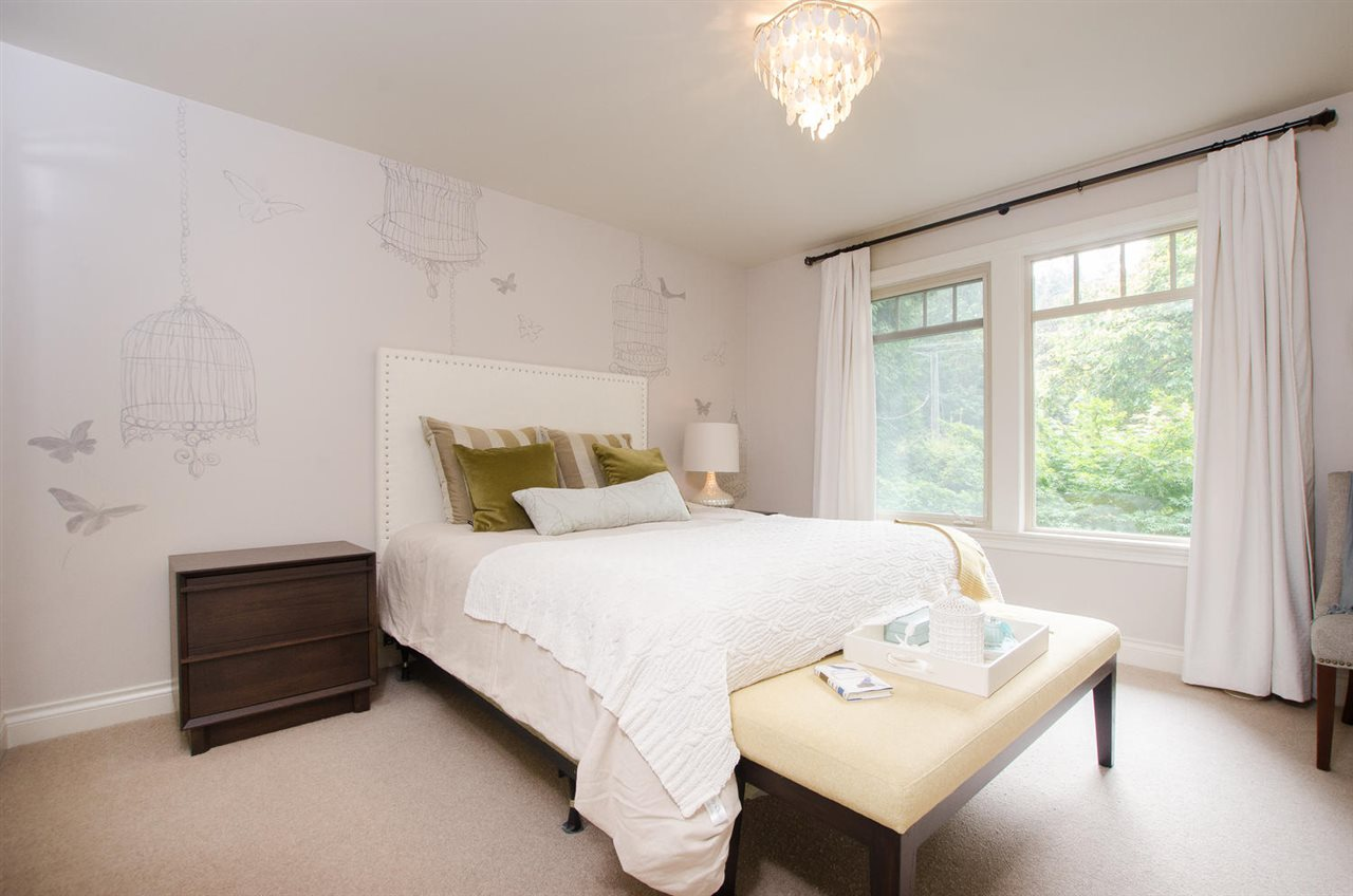 Detached at 13063 CRESCENT ROAD, South Surrey White Rock, British Columbia. Image 15