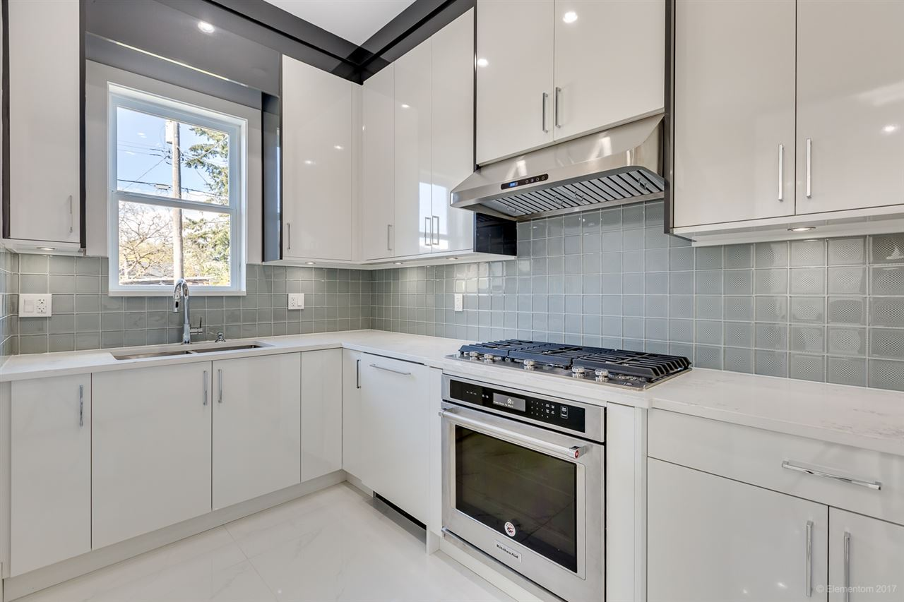 Detached at 3961 PINE STREET, Burnaby South, British Columbia. Image 8