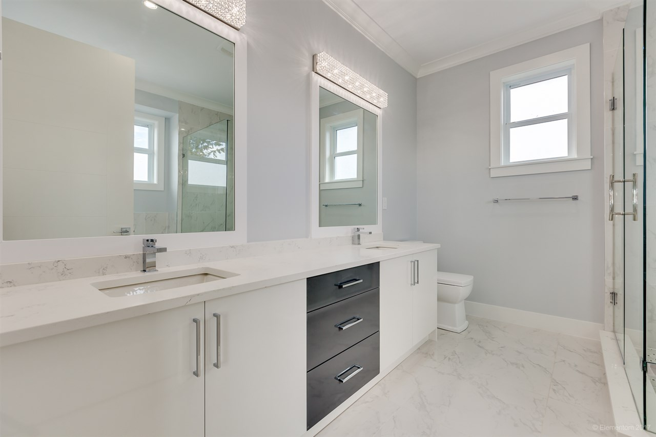 Detached at 3961 PINE STREET, Burnaby South, British Columbia. Image 12