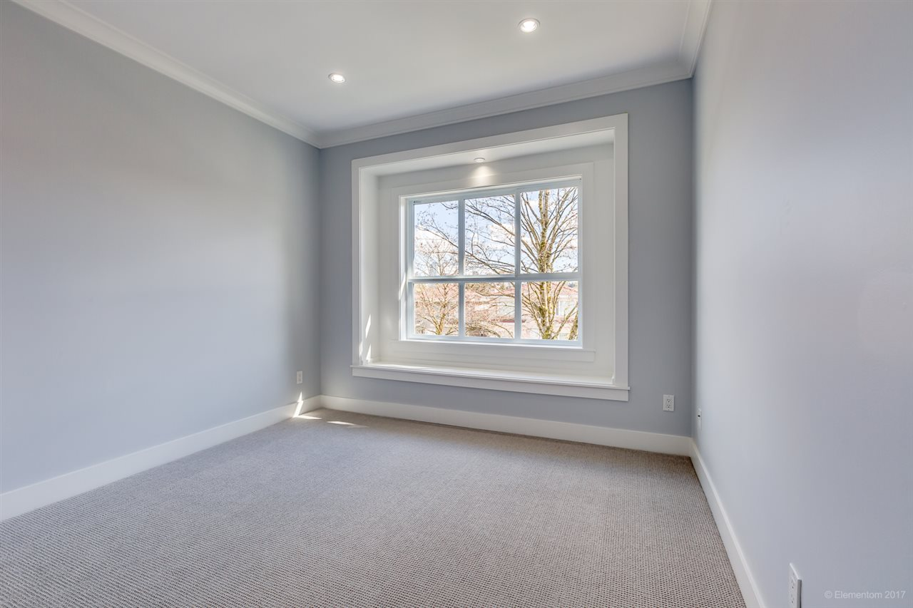 Detached at 3961 PINE STREET, Burnaby South, British Columbia. Image 14