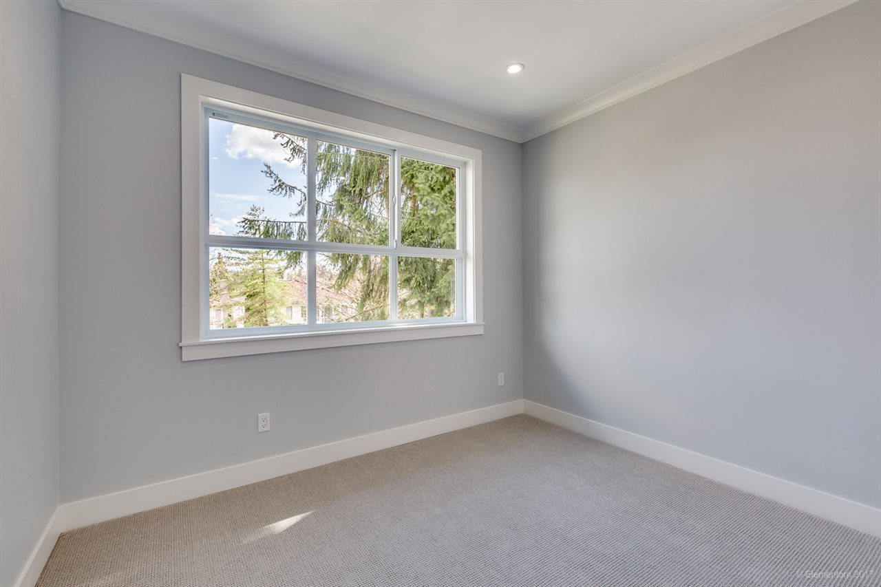 Detached at 3961 PINE STREET, Burnaby South, British Columbia. Image 16