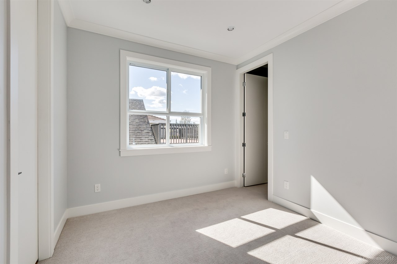 Detached at 3961 PINE STREET, Burnaby South, British Columbia. Image 18