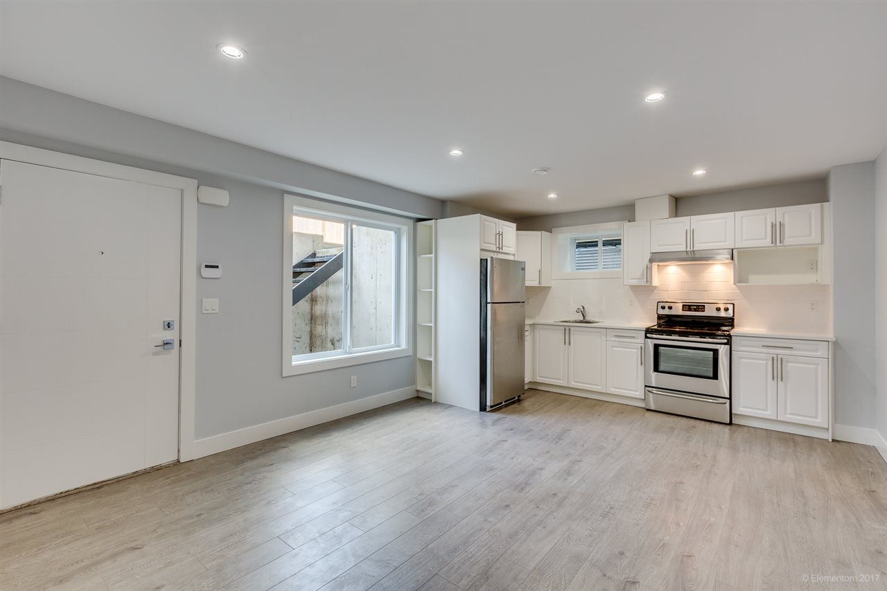 Detached at 3961 PINE STREET, Burnaby South, British Columbia. Image 20