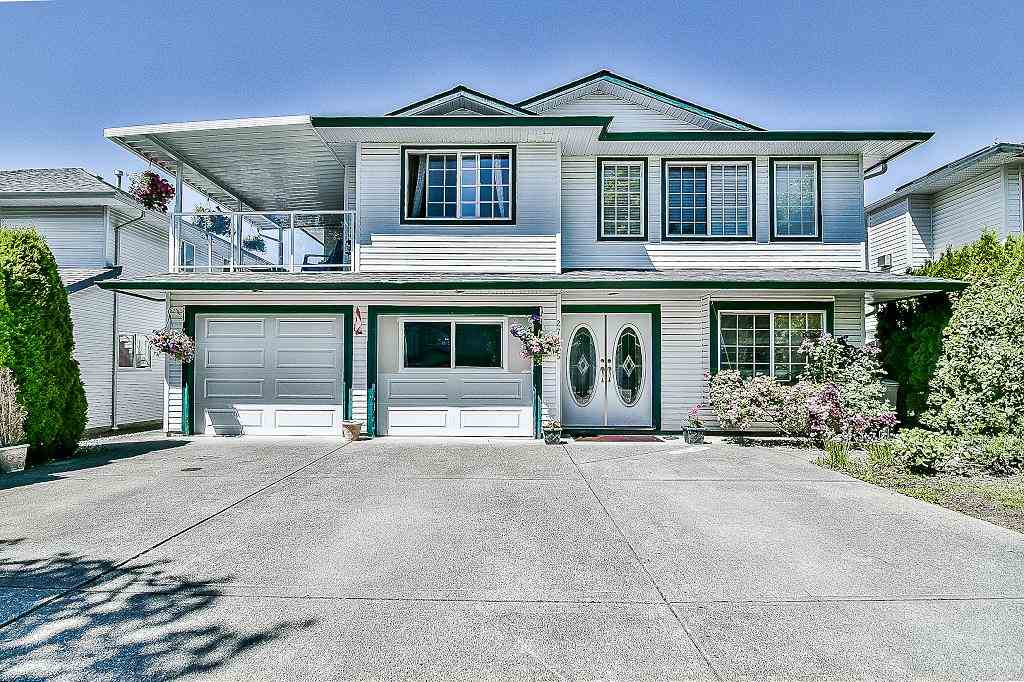 Detached at 27175 27 AVENUE, Langley, British Columbia. Image 1