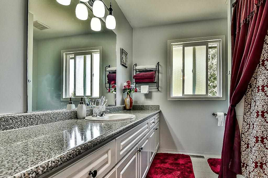 Detached at 27175 27 AVENUE, Langley, British Columbia. Image 15