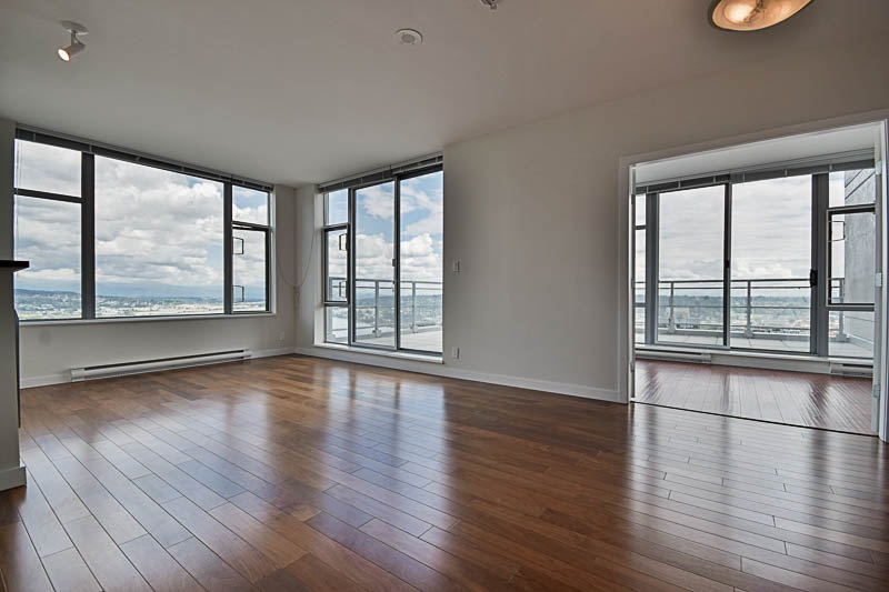 Condo Apartment at 2302 280 ROSS DRIVE, Unit 2302, New Westminster, British Columbia. Image 4