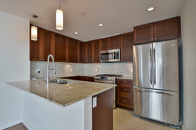 Condo Apartment at 2302 280 ROSS DRIVE, Unit 2302, New Westminster, British Columbia. Image 7