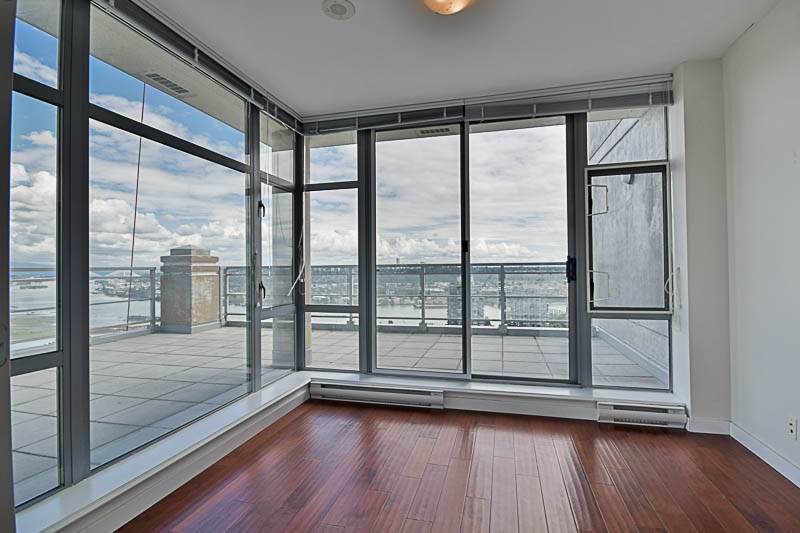 Condo Apartment at 2302 280 ROSS DRIVE, Unit 2302, New Westminster, British Columbia. Image 8