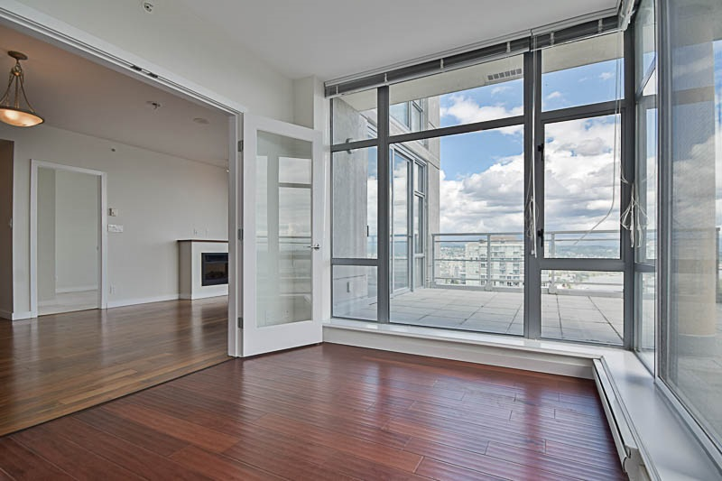 Condo Apartment at 2302 280 ROSS DRIVE, Unit 2302, New Westminster, British Columbia. Image 11