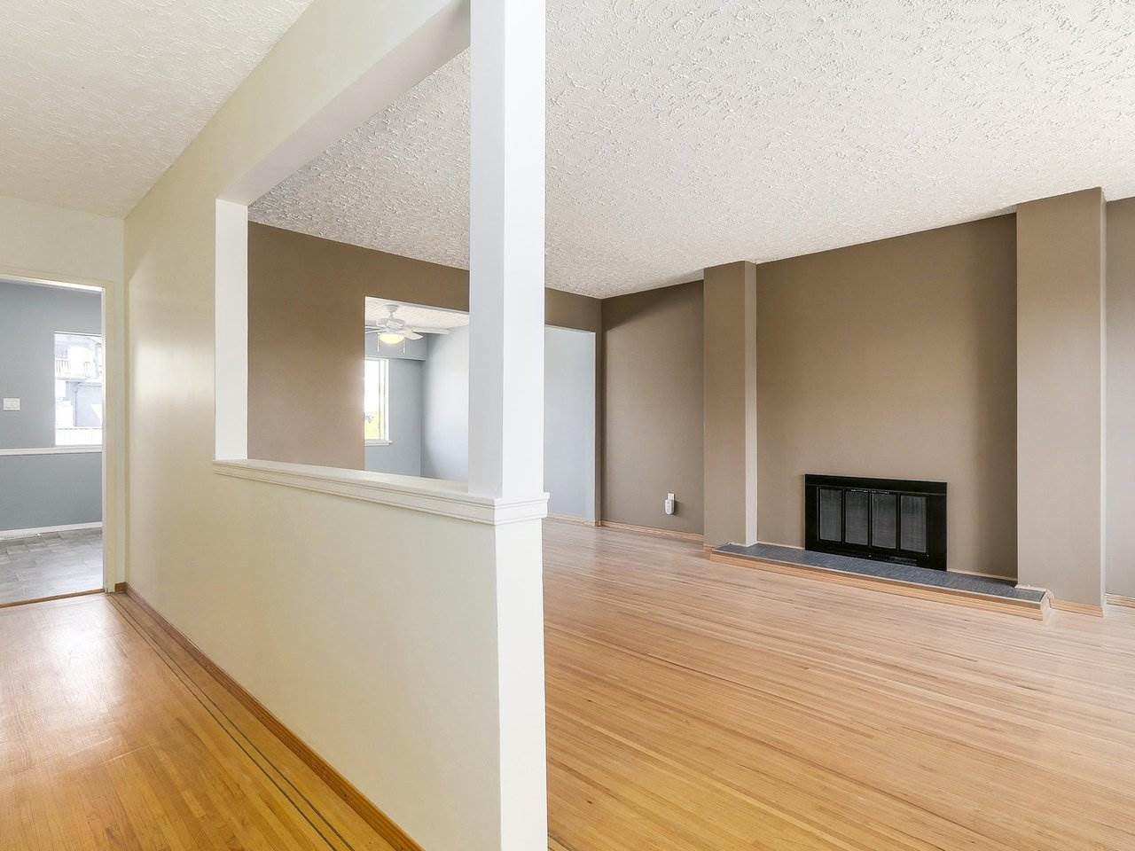 Detached at 6587 WINCH STREET, Burnaby North, British Columbia. Image 2