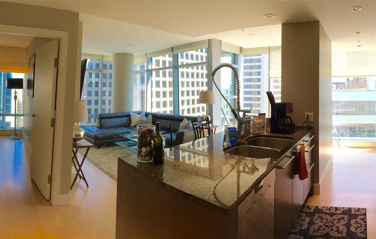 Condo Apartment at 2305 1111 ALBERNI STREET, Unit 2305, Vancouver West, British Columbia. Image 3