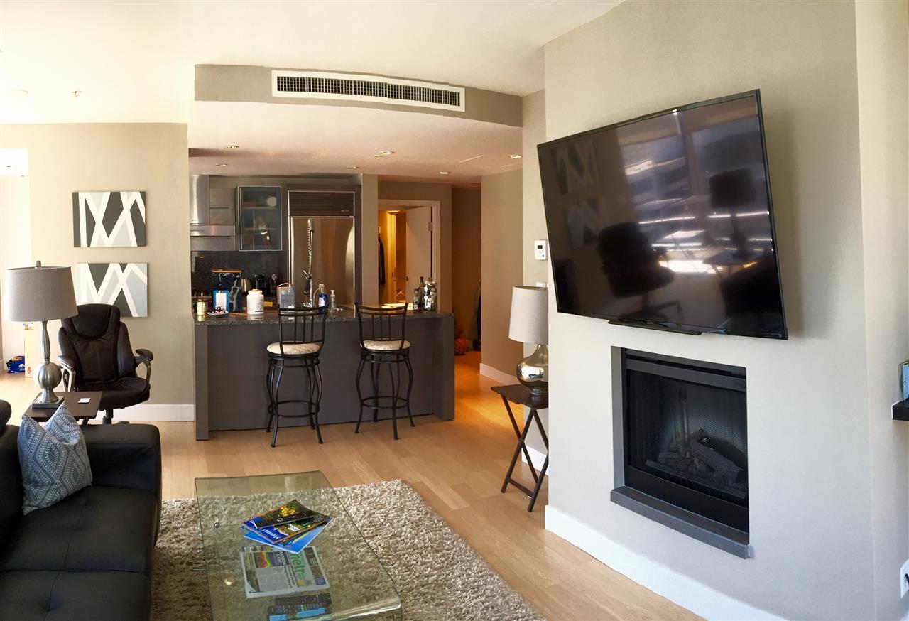 Condo Apartment at 2305 1111 ALBERNI STREET, Unit 2305, Vancouver West, British Columbia. Image 5