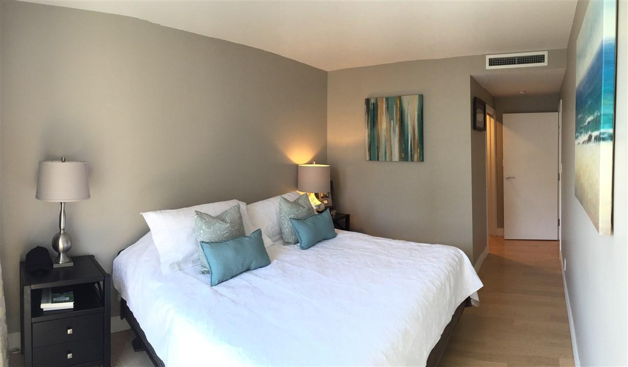 Condo Apartment at 2305 1111 ALBERNI STREET, Unit 2305, Vancouver West, British Columbia. Image 6