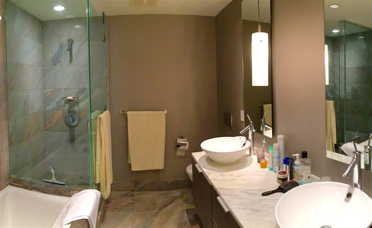 Condo Apartment at 2305 1111 ALBERNI STREET, Unit 2305, Vancouver West, British Columbia. Image 7