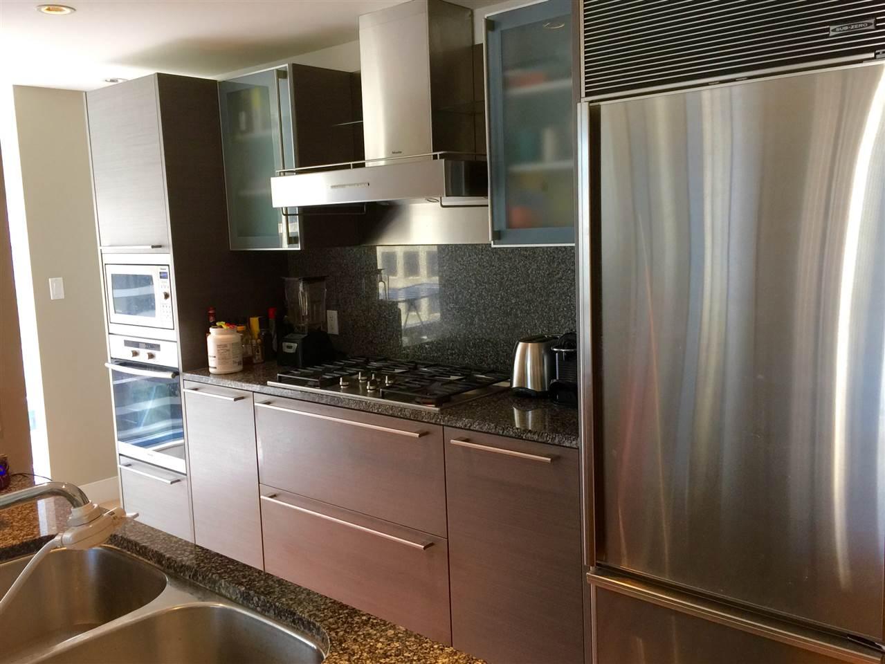 Condo Apartment at 2305 1111 ALBERNI STREET, Unit 2305, Vancouver West, British Columbia. Image 9